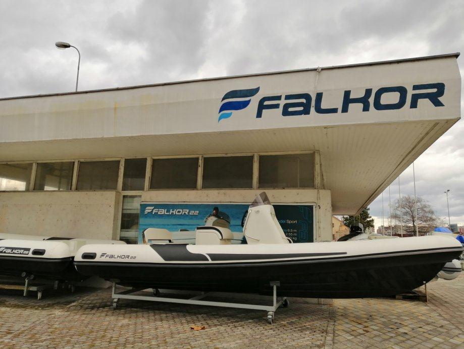 Falkor 22