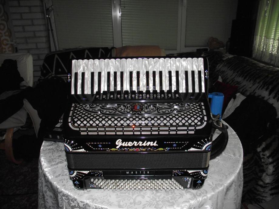 Harmonika Guerrini 120 basov