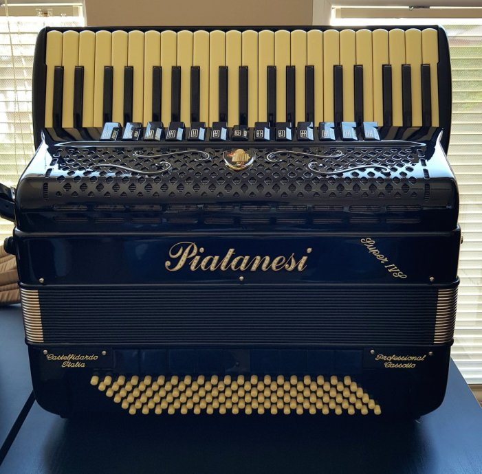 PIATANESI BALKAN 4S  120b- nova harmonika