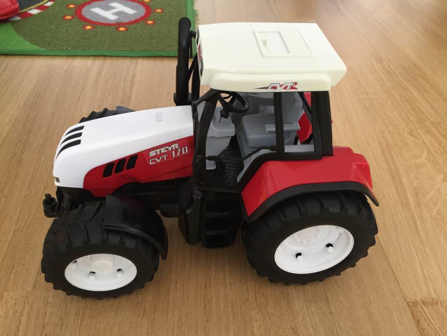 Bruderov traktor steyr cvt