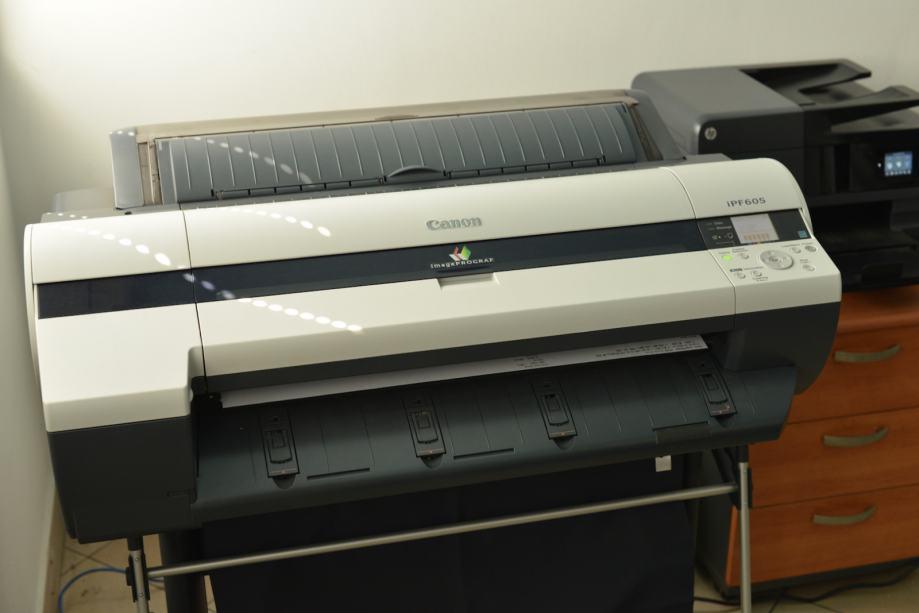 Canon IPF-605 ploter A1 sa postoljem, kao nov