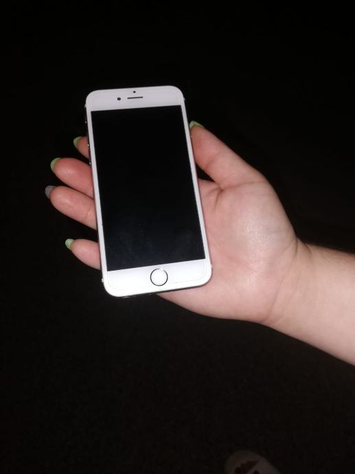iPhone 6S 64GB ne osteceni