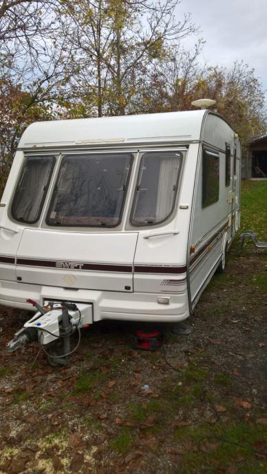 kamp kucica/prikolica swift challenger 520 SE 4/5 lezaja + tenda