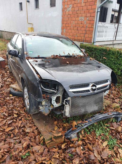 Opel Vectra 2,2 benzin automatic-DIJELOVI
