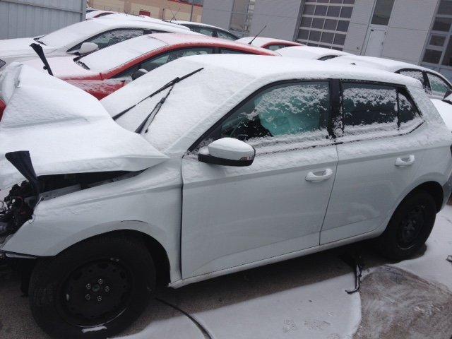 Škoda Fabia 1.0-KARAMBOLIRANO-MOŽE I U DIJELOVIMA