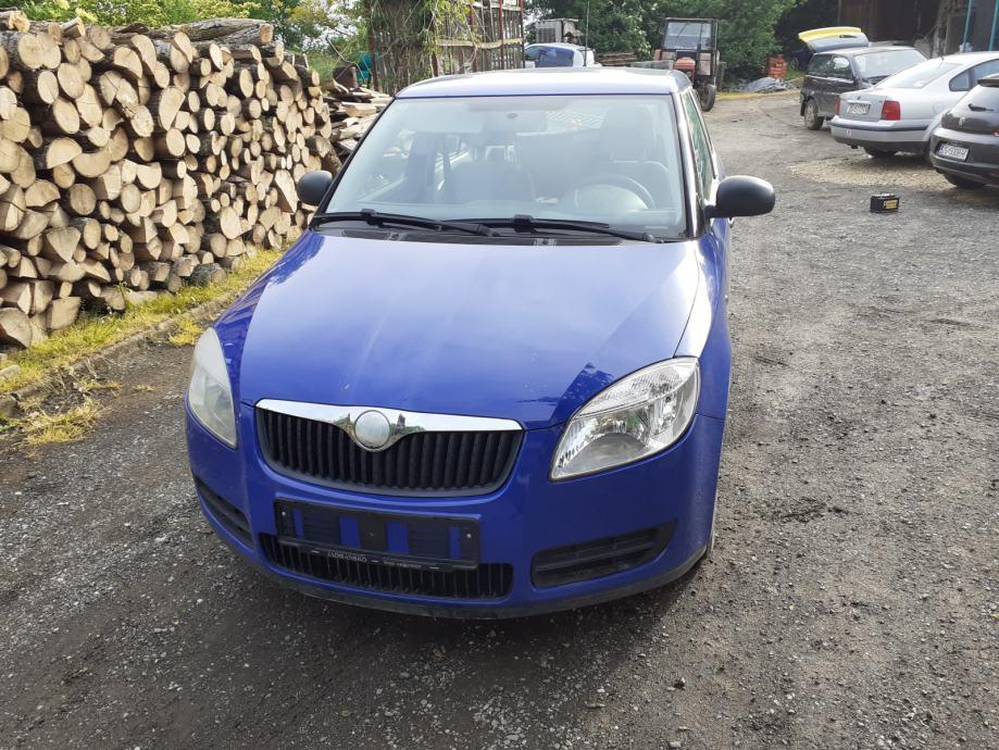 Škoda Fabia 1,2 095 576 8725 isključivo za djelove