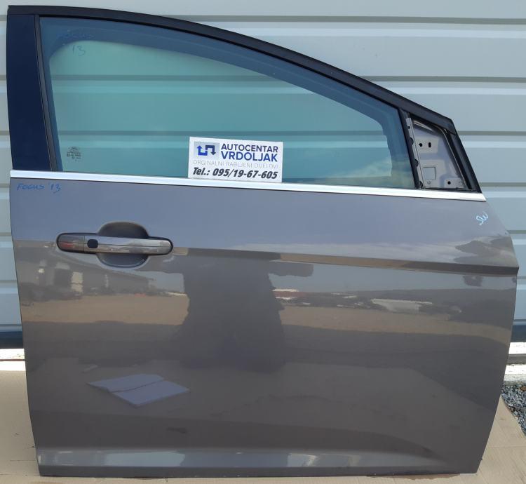 Ford Focus 2013. Prednja desna vrata