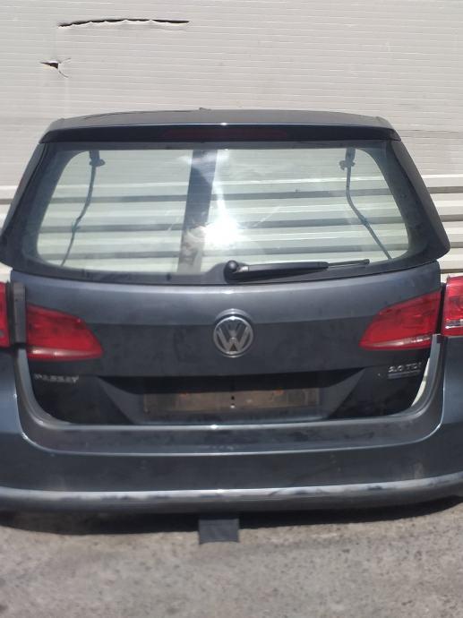 VW PASSAT 3AF ZADNJI BRANIK  VRATA  HAUBA PRTLJAŽNIKA ŠTOP LAMPE/SVJE