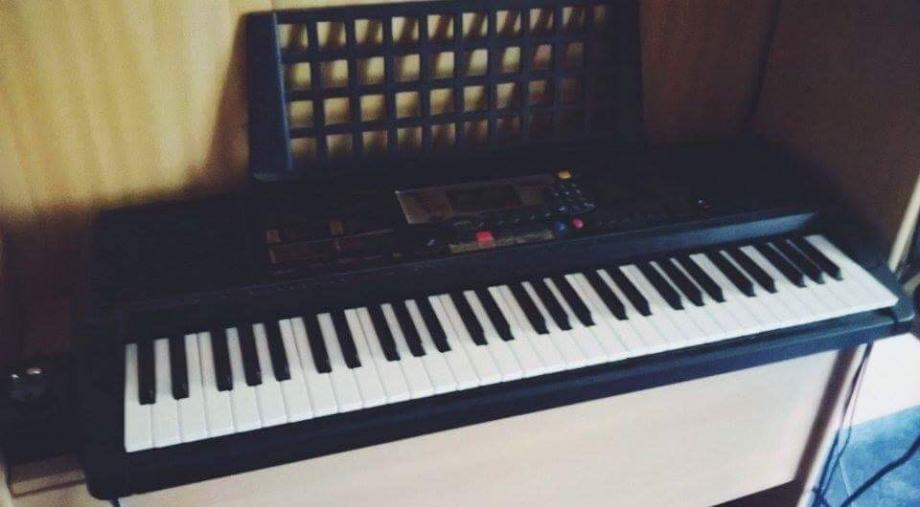 Sintisajzer Yamaha