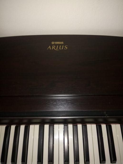 Električni klavir Yamaha