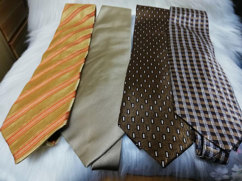 lot od 3 kravate, većinom novo. (zlatna je prodana)