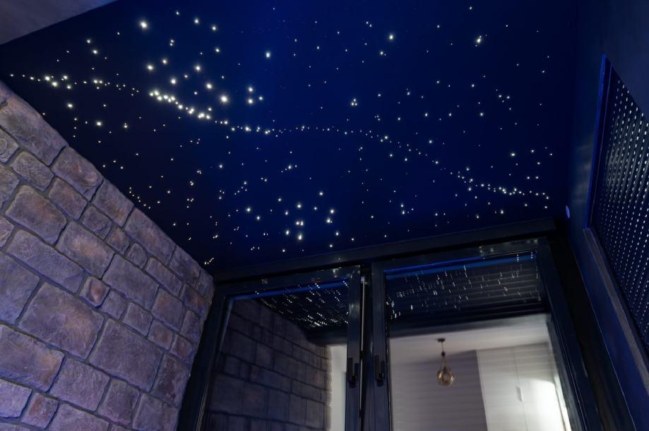 zvjezdano nebo dekorativni spusteni plafoni