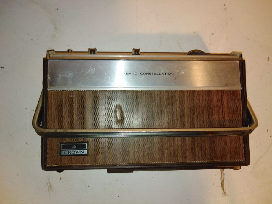 Crown stari radio (2)