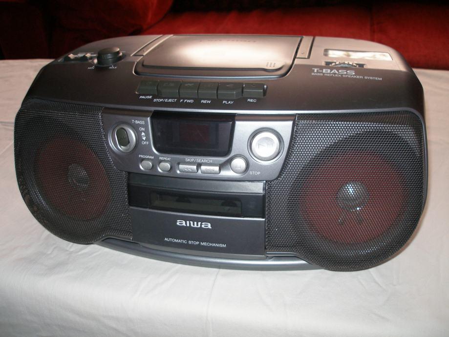 RADIO UREĐAJ  * AIWA