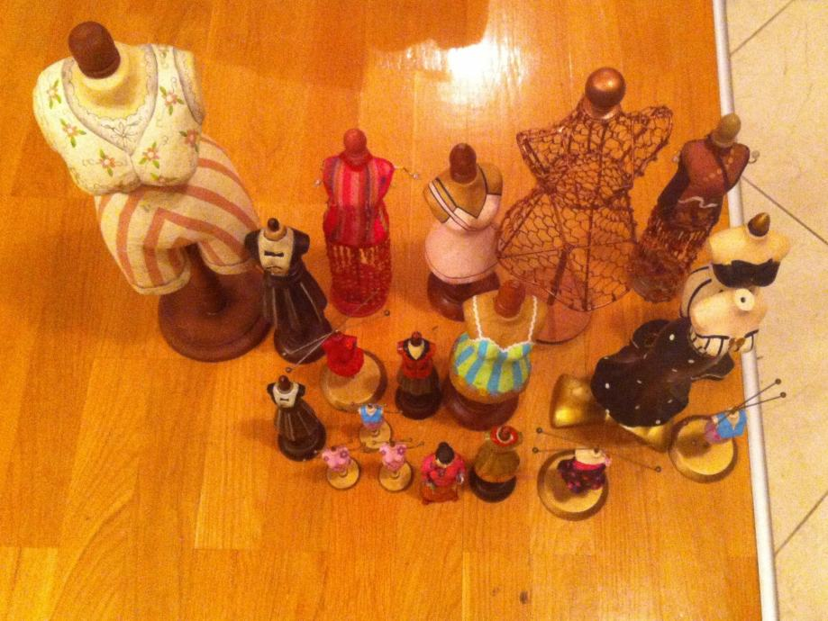 Komplet od 17 mini krojačkih lutaka raznih veličina