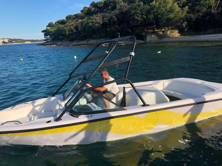 Correct craft gliser za sportove na vodi