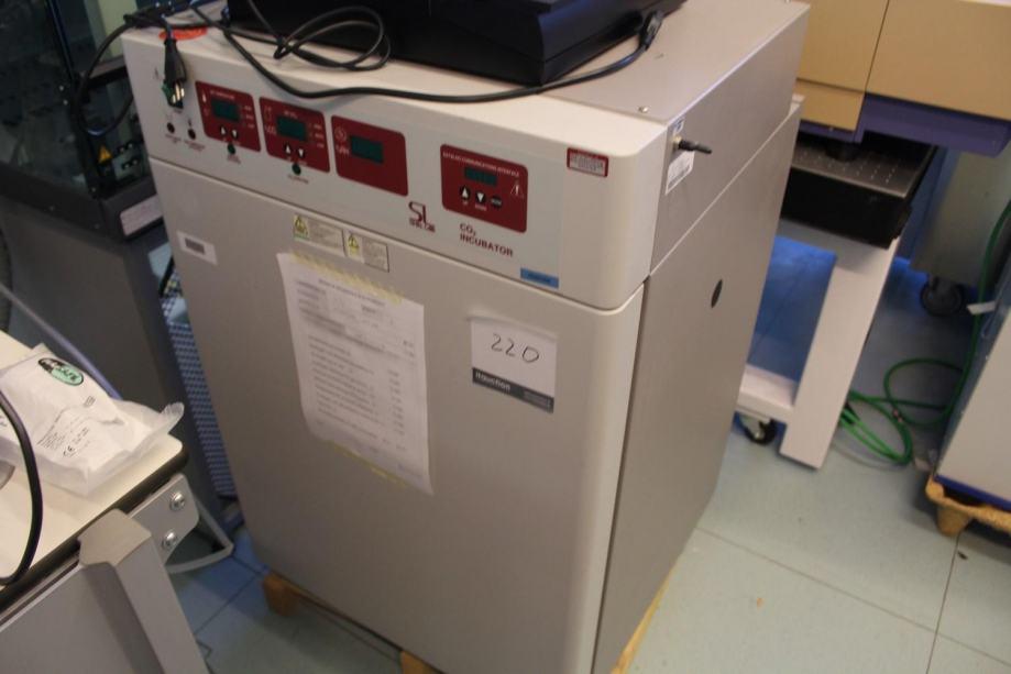 Inkubator CO2 laboratorijski medicinski , za laboratorij