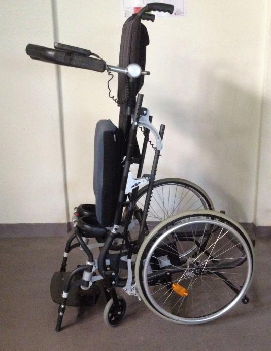 Invalidska kolica sa vertikalizatorom - Medipom Pomagala