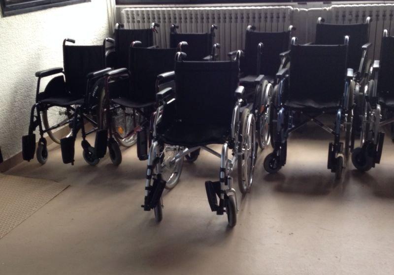 """Invalidska kolica """"NOVA"""" i rabljena MEDIPOM-POMAGALA"""