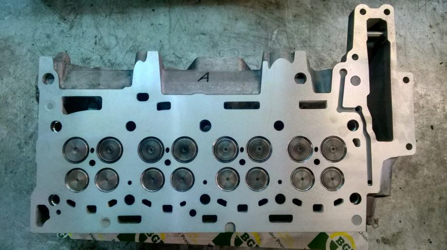Glava motora BMW 2,0 d N47D20A sa ventilima