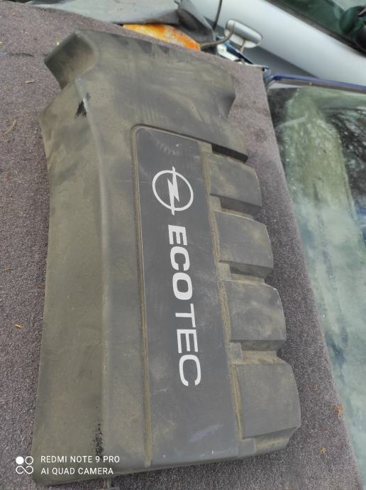 poklopac motora Opel Corsa d