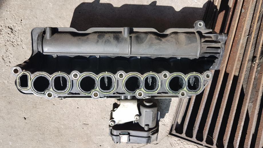Opel Insignia 2.0 cdti 2010-dijelovi limarije i mehanike