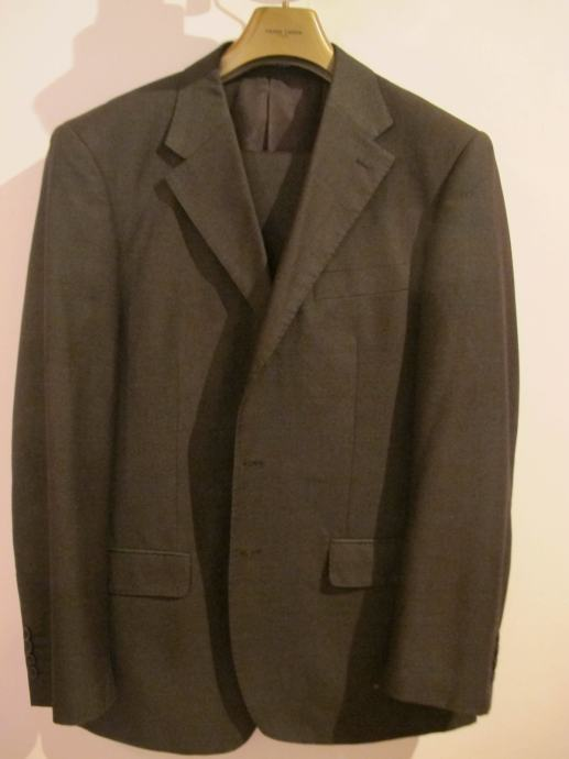 a2605da552dd7 Muško odijelo Giorgio Armani