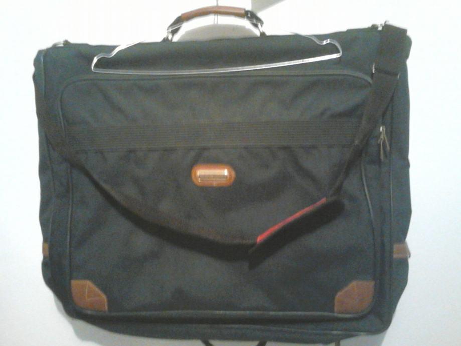 Tamnozelena torba za odijelo