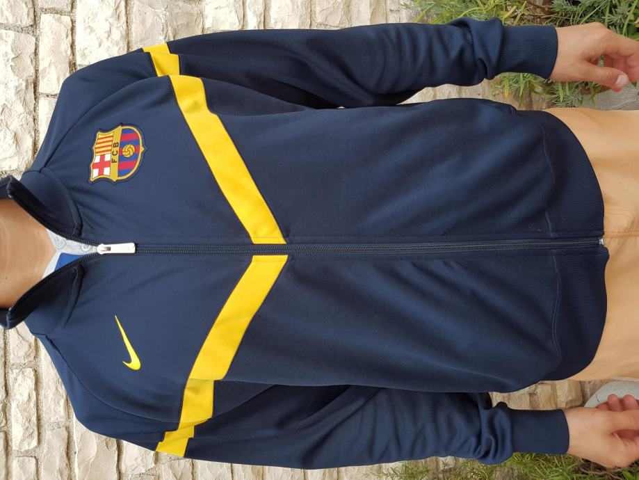 fc barcelona jakna ili duks Original nike novo nenošeno