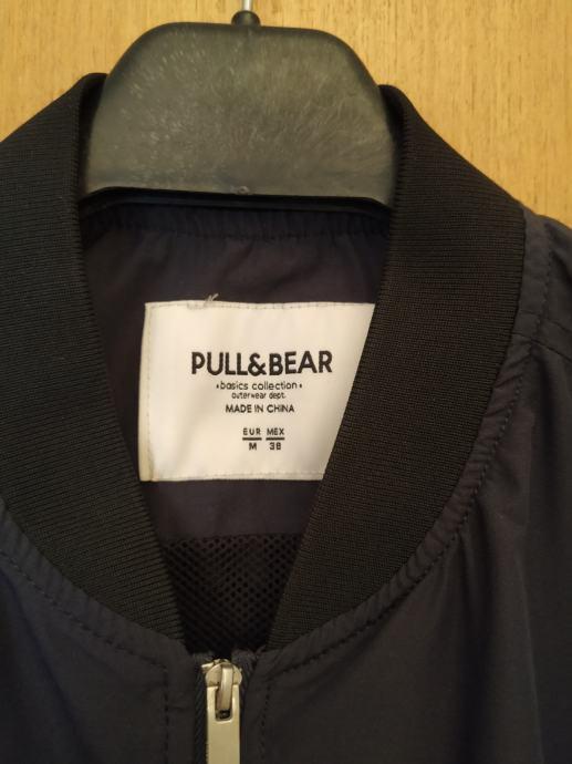 Pull and bear bomber jakna M veličina
