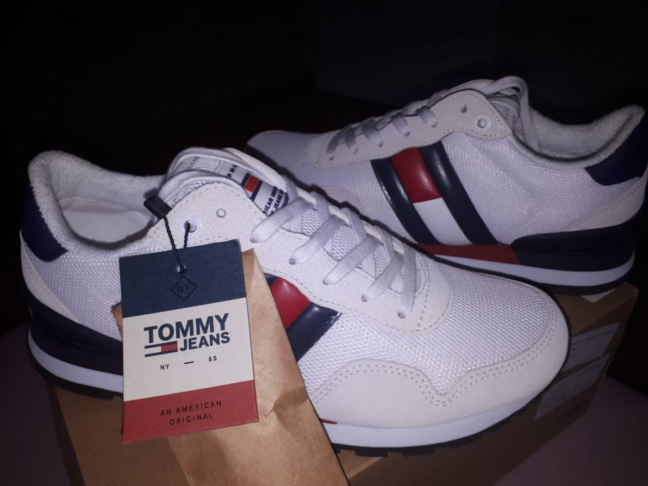 Tommy Hilfiger tenisice br.40