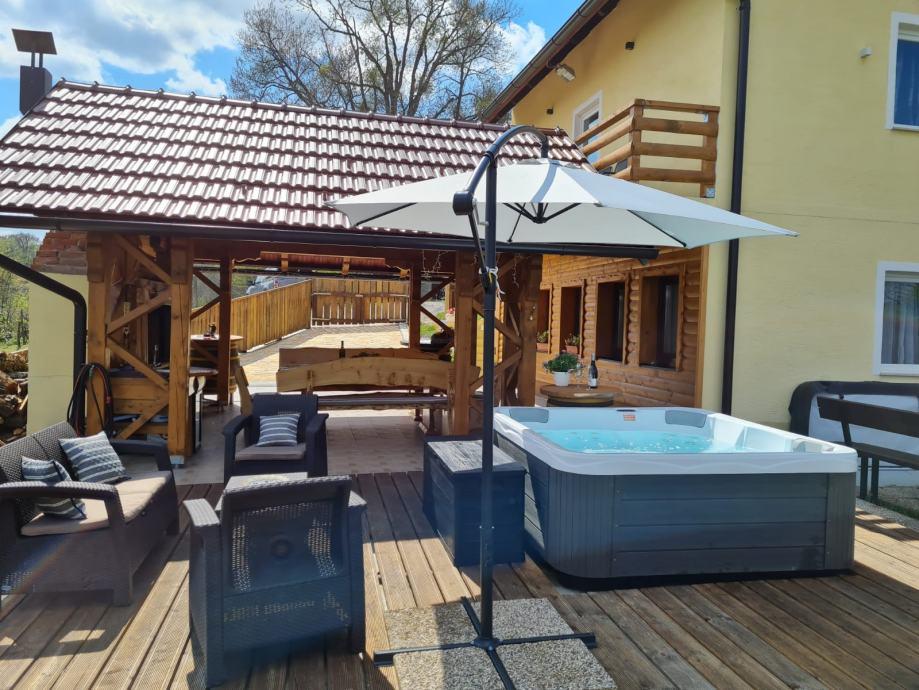 Kuća  za odmor  s saunom  i jacuzzijem i manje  proslave