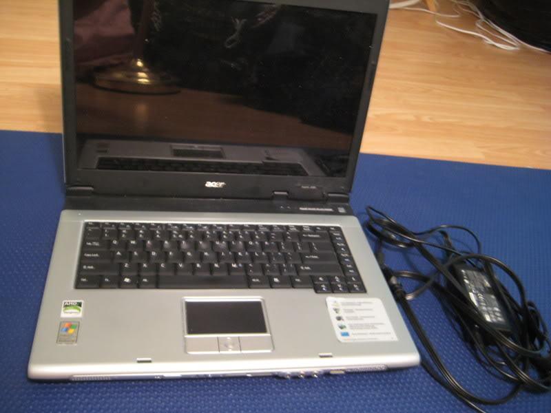 Prodajem laptop Acer Aspire 3000 po dijelovima