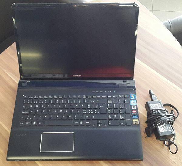 Prodajem laptop Sony Vaio SVE171 serije SVE1711Z1EB po dijelovima!