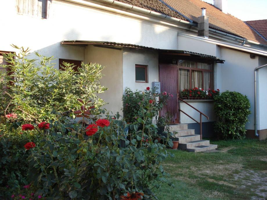 Bjelovar, centar, dio kuće, vrt i voćnjak (prodaja)