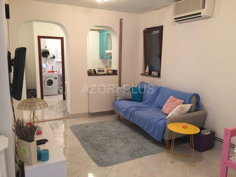 Barbariga- dva četverosobna apartmana 77 m2 i 87 m2 s terasom i parkin
