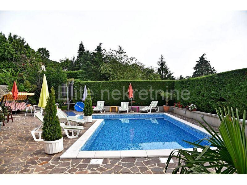 Bregi samostojeća kuća 330 m2 (prodaja)