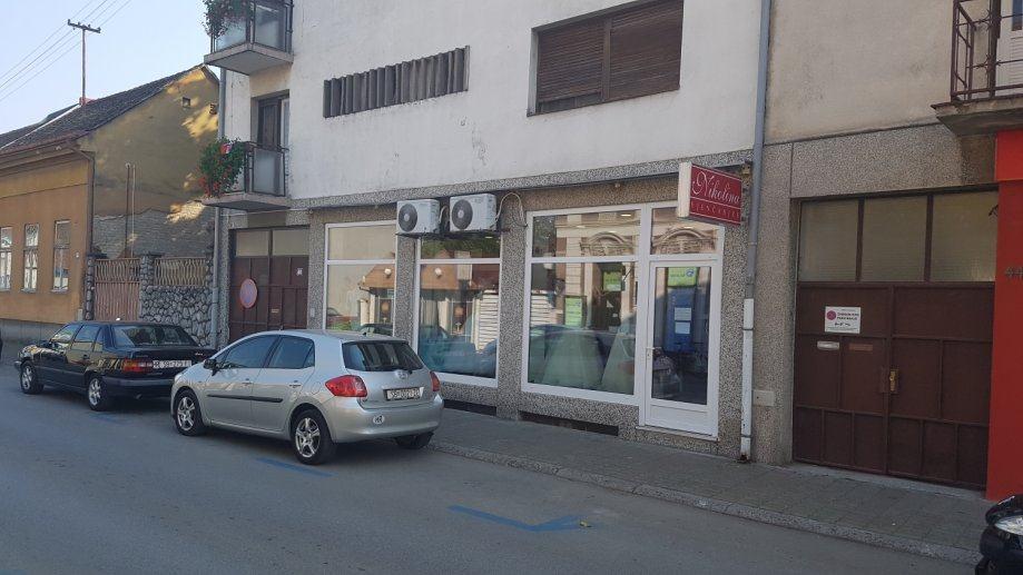 CENTAR-M.Mesić, Slav.Brod, 2 poslovna prostora, trgovina, 60 m2 (prodaja)
