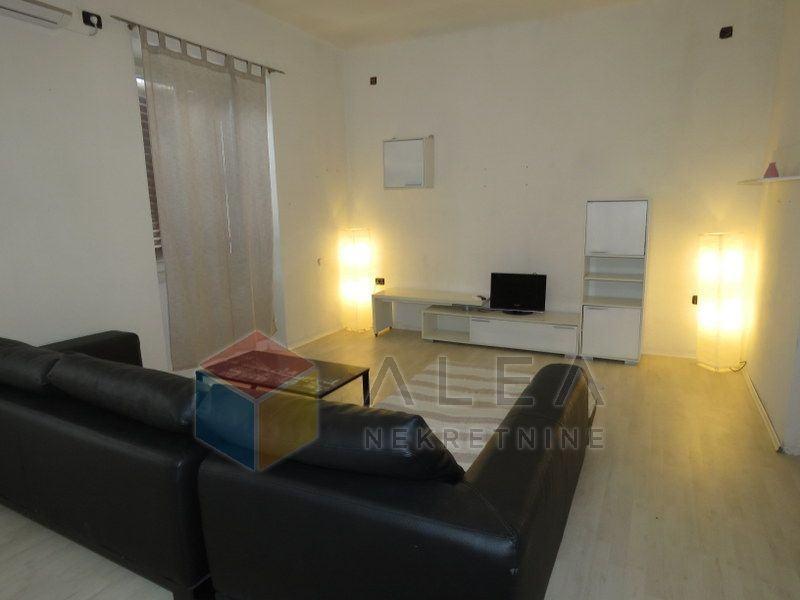 Dvosoban stan u Raši, 73 m2 (prodaja)