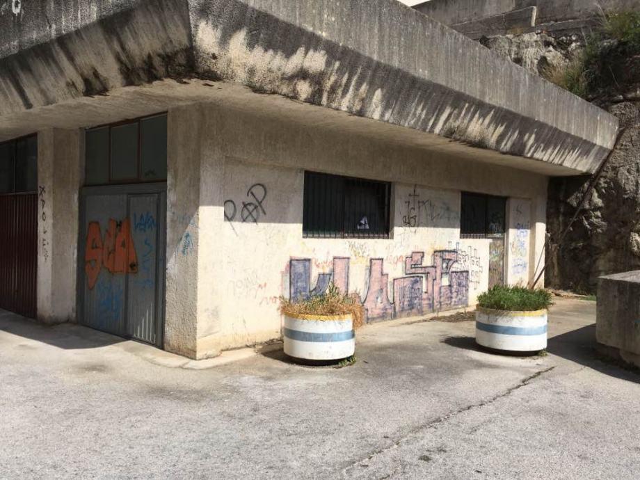 Garaža: Ploče, 30 m2 (prodaja)