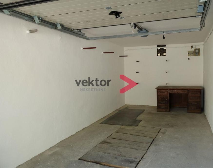 Garaža, Škurinje, 18m2 (prodaja)