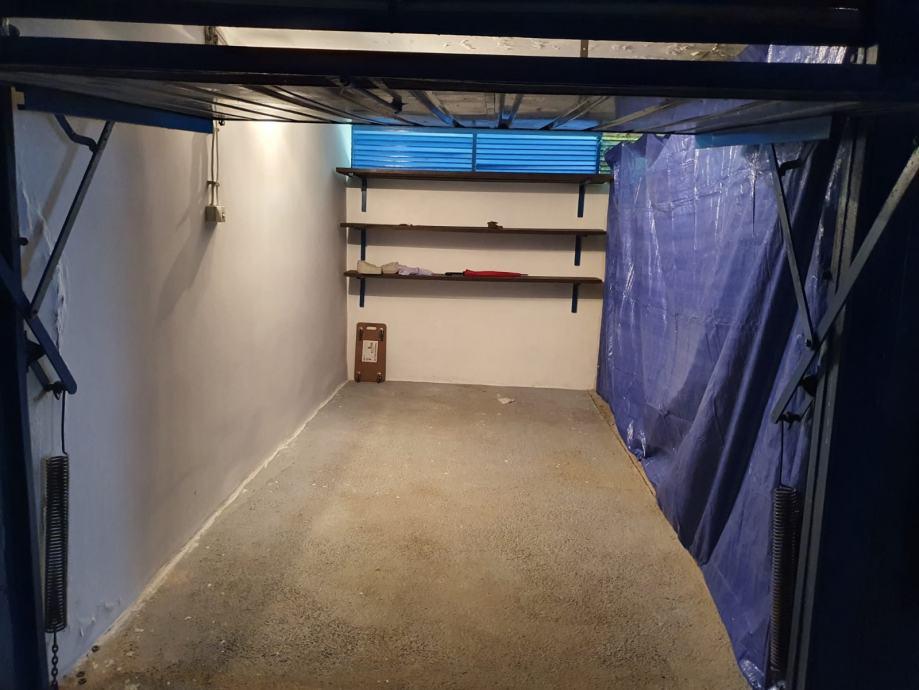 Garaža: Zagreb (Travno), 12 m2 (prodaja)