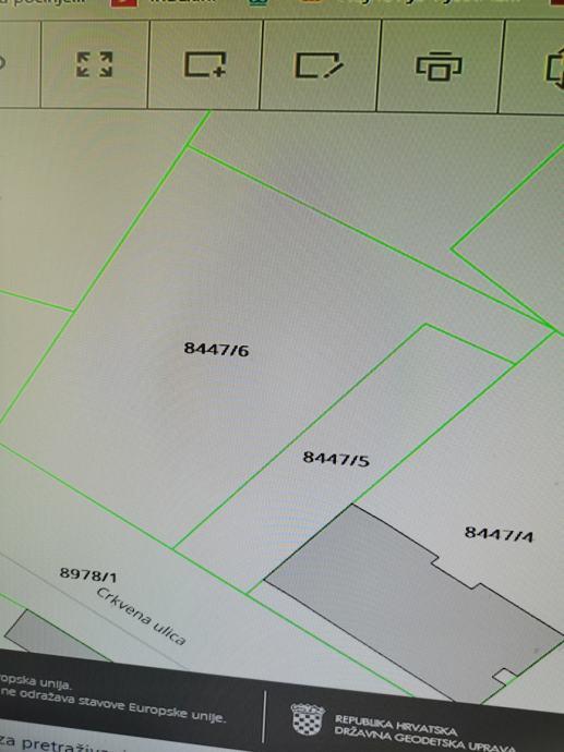 Građevinsko zemljište + dozvola za 3 stana, Osijek, 340 m2