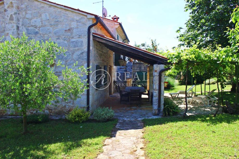 Istarska originalna novouređena kamena kuća,239m2, Montižana (prodaja)