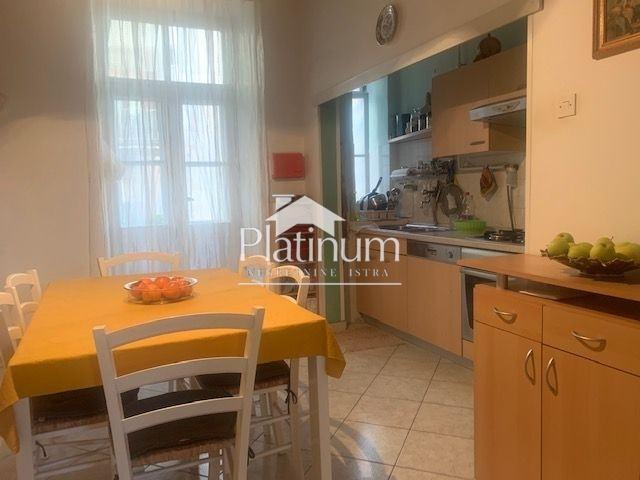 Istra, Pula, centar, stan na prvom katu, 93m2, PLIN!! (prodaja)