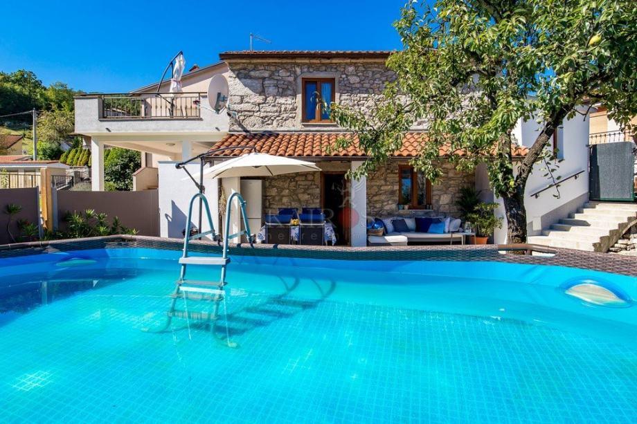 JURDANI, prekrasna kuća, 700€ (iznajmljivanje)
