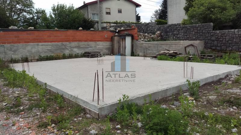 Kastav, građevinsko zemljište sa započetom gradnjom