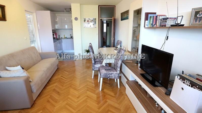 Komforan dvosoban stan u istočnom dijelu grada (prodaja)