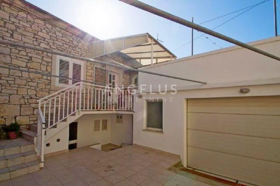 Korčula, Vela Luka - kamena kuća za odmor 126 m2 (prodaja)