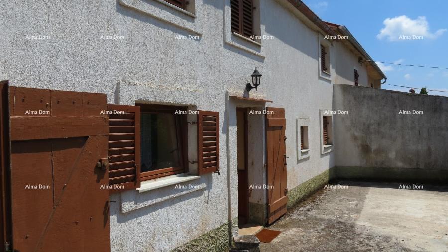 Kuća Blizina Loborike , istarska kuća sa velikom okućnicom od 4030 m2. (prodaja)